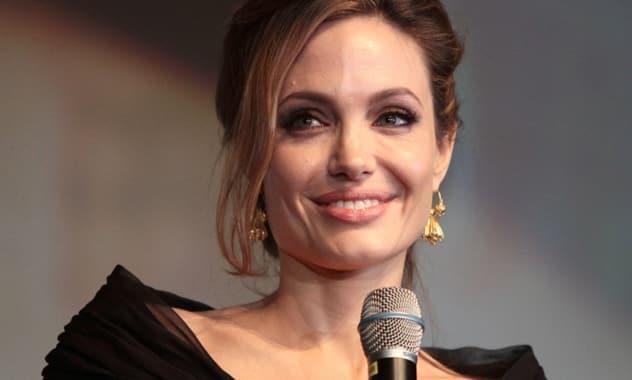 Angelina Jolie Named Honorary Citizen of Sarajevo