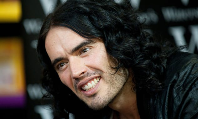 """Must Watch! Russell Brand Annihilates """"Katy Perry"""" Heckler"""