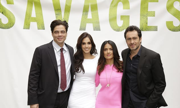 SAVAGES / amazing photo of all-star Latino cast