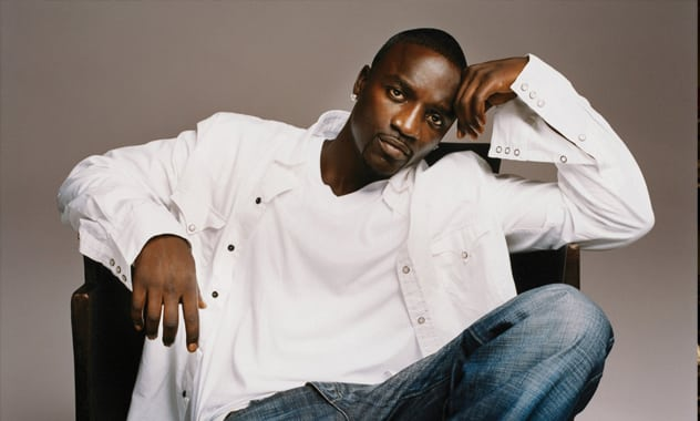 Merenguero Omega Is 'Locked Up And He Can't Get Out', Akon Pays Visit