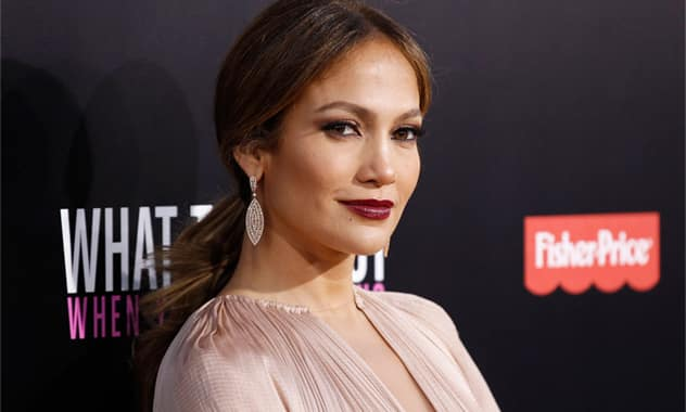 With Teeology, Jennifer Lopez Is The Newest Celebrity In The E-Commerce Startup Space 2