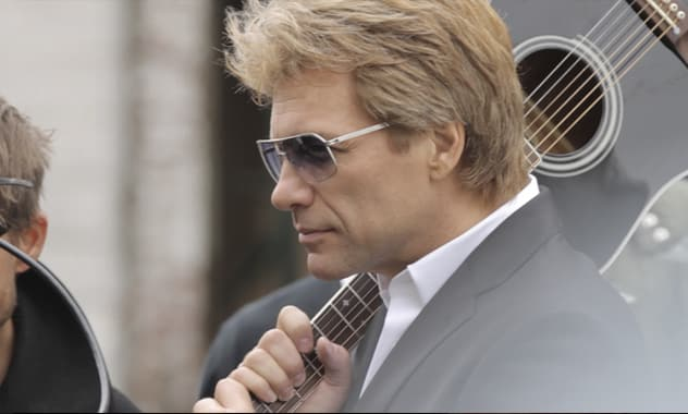 "Bon Jovi Joins Avon In Launching The Upcoming Fragrances ""Unplugged"" For Him And For Her 2"