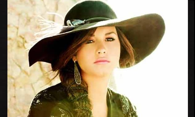 Demi Lovato: Living in the Spotlight Is a 'Blessing and a Curse'