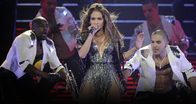 Jennifer_Lopez_-_Concert featured