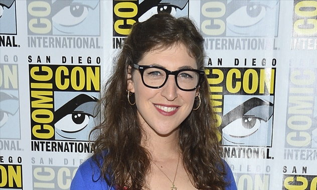 Mayim Bialik Hospitalized After Car Crash  2