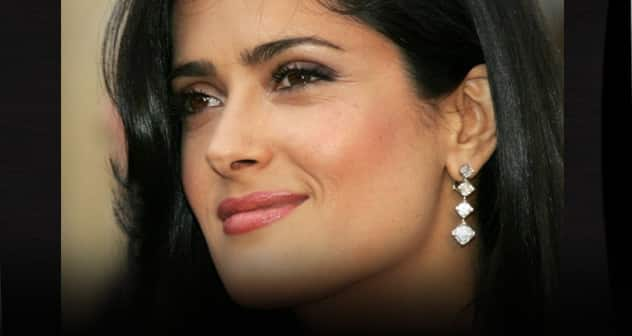 salma-hayek-wallpapers-891365497 Featured News