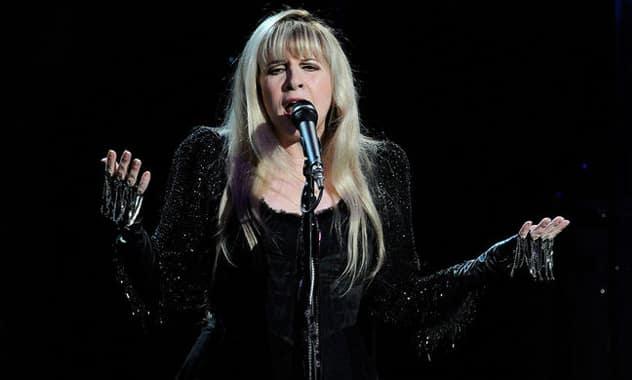 Stevie Nicks Apologizes To Nicki Minaj After Death Threat