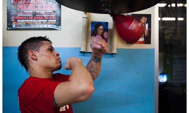 Puerto Rican boxer Orlando Cruz announces he's gay