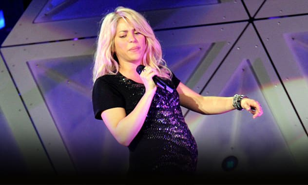 Biel: Shakira And Gerard Pique Reportedly Choose Baby Name, Singer Performs With Baby Bump For First Time 1