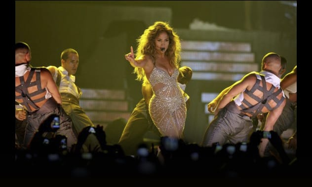 Jennifer Lopez Wardrobe Malfunction: Singer Suffers Nip Slip Onstage In Italy  1