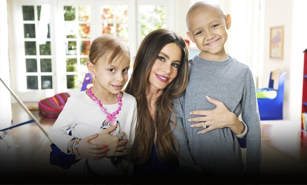 Luis Fonsi And Sofia Vergara Join Jennifer Aniston, Robin Williams, Shaun White, Michael Strahan And Marlo Thomas To Star In St. Jude Thanks and Giving® Campaign This Holiday Season 1