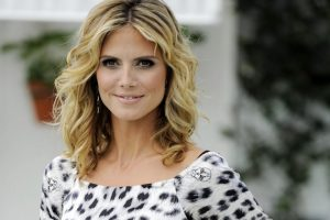 Heidi Klum Named EMA Host For 2012