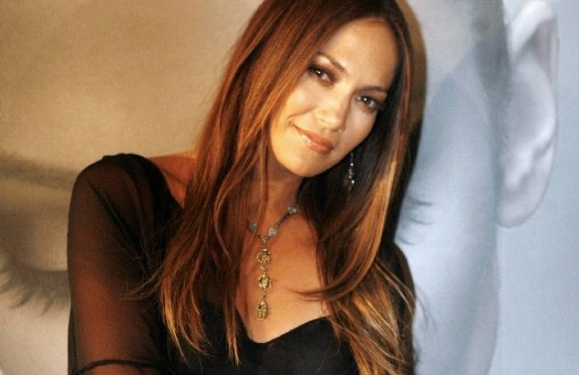 JLo Offers 'Christmas Gift' To Her Fans
