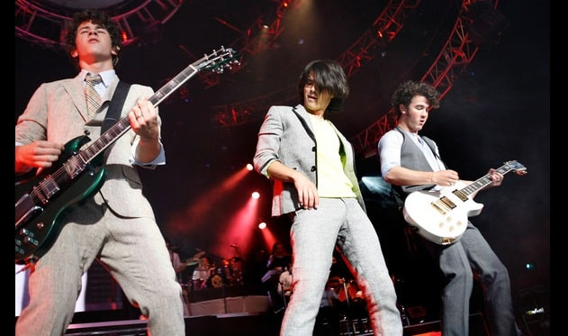 Jonas Brothers To Tour Latin America In 2013