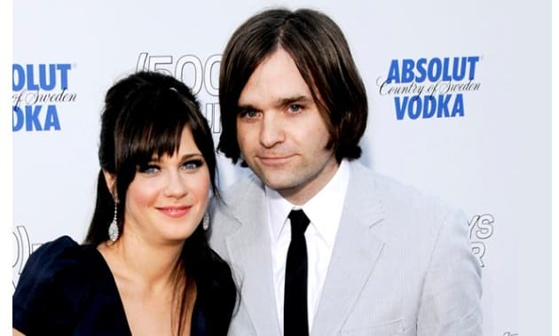 Zooey Deschanel Now Legally Divorced And Single, But Not Necessarily Available