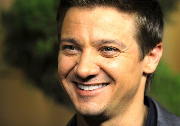 Jeremy Renner & Ex-Girlfriend Expecting First Child