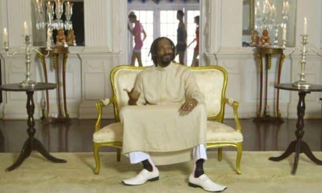 Snoop Lion Dances in New Video 'Here Comes The King'