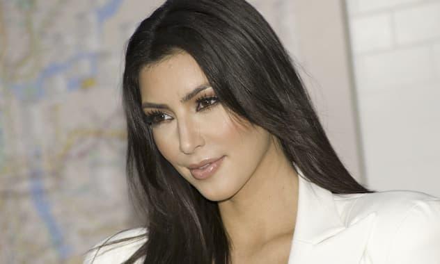 Bizarre Beauty Treatment - Kim Kardashian Gets Blood Facial