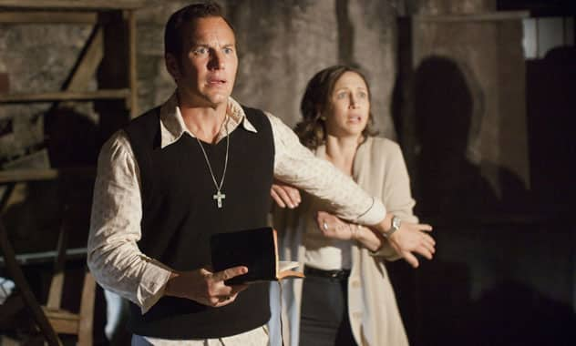 THE CONJURING - Based on a true horrifying tale of a family terrorized by a dark presence - First Trailer! 2