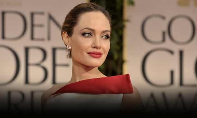 Angelina Jolie undergoes double mastectomy 1