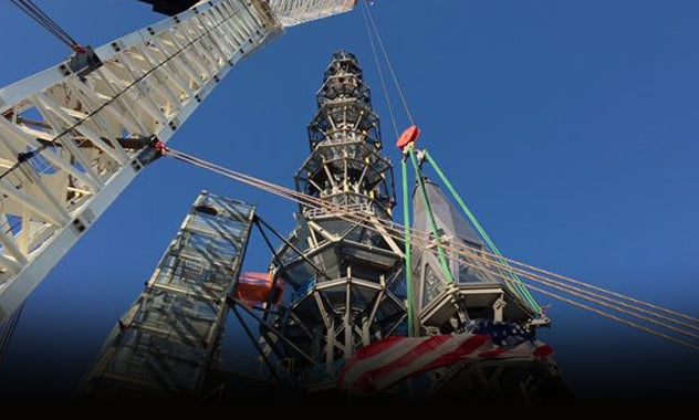WTC tower rises to symbolic 1,776 feet 1