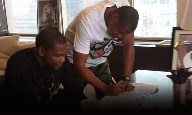 Jay-Z's Roc Nation agency Signs NBA Star Kevin Durant 2