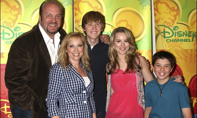 Celebs Already Showing Approval of 'Good Luck Charlie' Lesbian Couple during Last Season