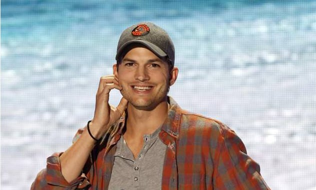 Chris Ashton Kutcher Reveals His Actual Name At Last Nights' Teen Choice Awards