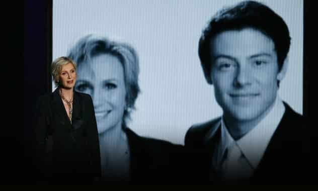 Jane Lynch's Tribute For Cory Monteith At 2013 Emmys 1