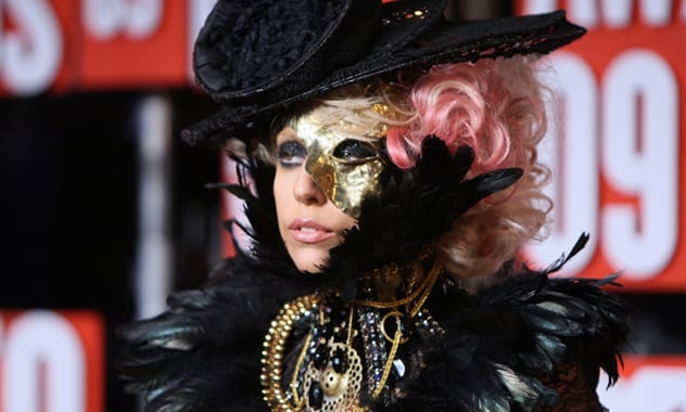 Lady Gaga's 'Applause' Performance On 'GMA' Came With A Heartfelt Confession And Multiple Wigs
