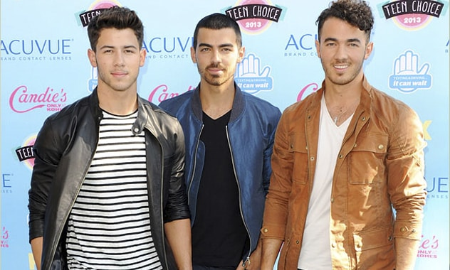 Trouble In The Band Leads Jonas Brothers To Cancel Tour
