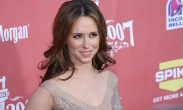 Lifetime cancels Jennifer Love Hewitt's 'The Client List'