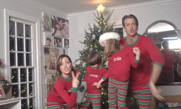 #XMAS JAMMIES - Merry Christmas from the Holderness Family! (Viral Video)