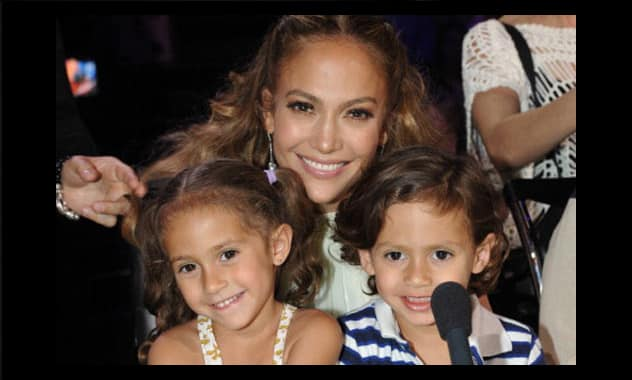 JLo Awaded By The March Of Dimes Charity Organization For Being A Positive Role Model
