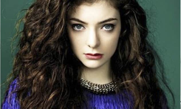 Lorde Makes Full Use of Local Newspaper To Thank Her Fans 2