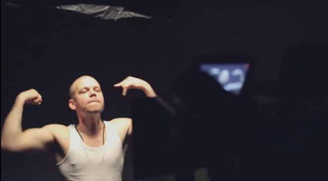 CALLE 13 On The Set for Their New Video 'ADENTRO'