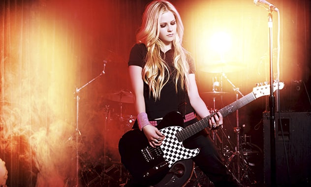 Avril Lavigne Flees Stage During Chinese Concert