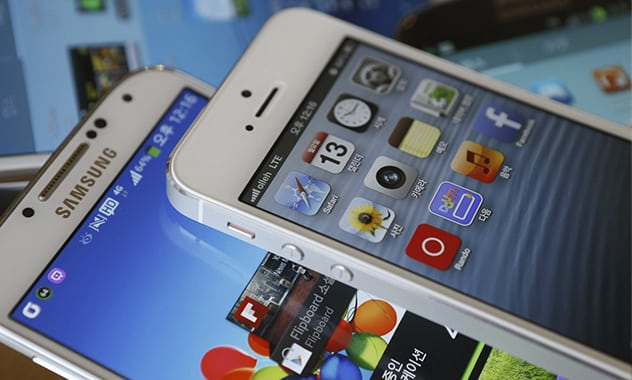 Apple loses bid for on Samsung smartphone sales 3