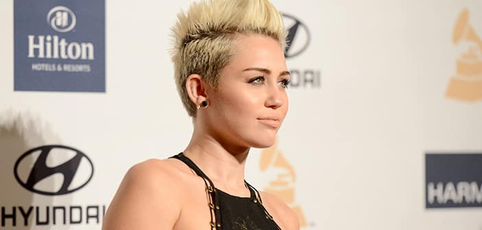 Miley Cyrus Back On Tour After Sick Leave