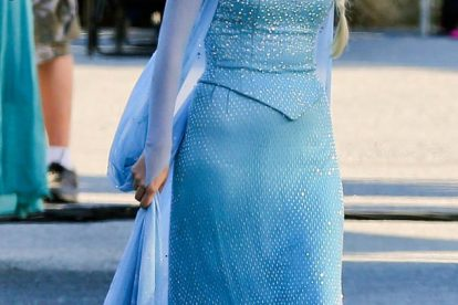 See Georgina Haig as Queen Elsa on 'Once Upon A Time' Set! 5