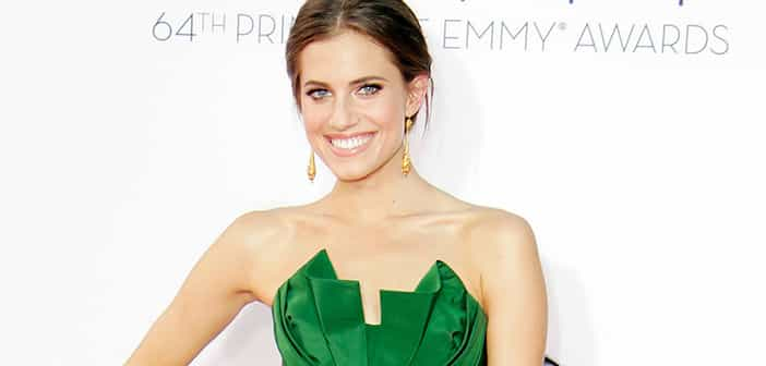 Allison Williams Makes It To Nbc In Live Peter Pan Showing