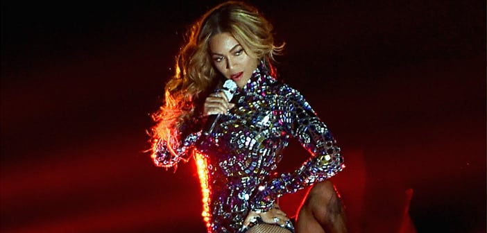 Beyoncé's  New Album Steals The Show During VMAS Performance 3