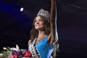 Miss Carolina, K. Lee Graham, Gets Announced As 2014's Miss Teen USA 4