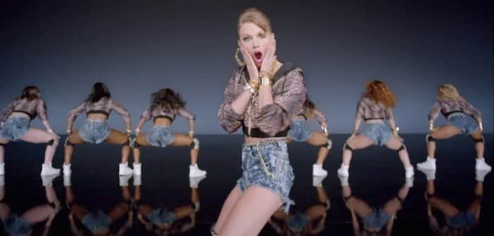 "Taylor Swift's Premieres New Song ""Shake It Off"""
