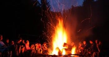 camping-campfire-family-holidays