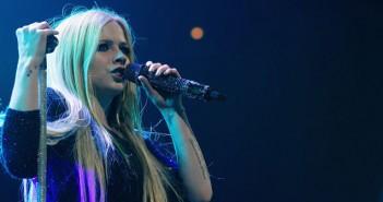 avril_lavigne_singer_2014