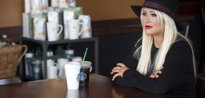 Christina Aguilera Stuffs Customers Into NY Starbucks By Offering Free Coffee