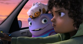 1022935-watch-new-trailer-arrives-dreamworks-animation-s-home
