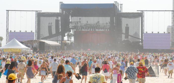 'A Day at the Beach' Concert featuring Palo, TOMAS DIAZ y Su Orquesta and Elastic Bond April 4 2