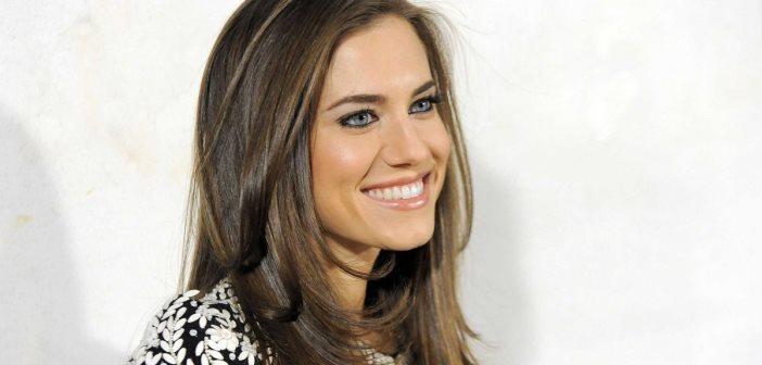 Allison Williams Shares Half-On-Half-Off Makeup Selfie